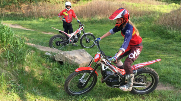 Moto X Schmiede Cross und Enduro Schule